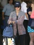 Celebrities Wonder 61627192_rachel-bilson-lax-airport_6.jpg