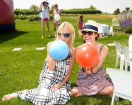 Celebrities Wonder 66087101_emy-rossum-Macklowe-Family-Fourth-of-July-Party_8.jpg