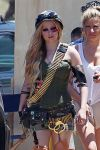 Celebrities Wonder 67310237_avril-lavigne-filming-her-video_5.jpg