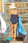 Celebrities Wonder 67768919_reese-witherspoon-swimsuit_6.jpg