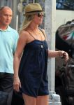 Celebrities Wonder 69030873_jennifer-aniston-on the-set-of-Squirrels-to-the-Nuts_6.jpg
