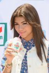 Celebrities Wonder 69323506_7-Eleven-86th-Birthday-Party_Zendaya 3.jpg