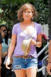 Celebrities Wonder 6955498_jennifer-aniston-set-of-Squirrels-to-the-Nuts_6.jpg