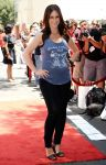 Celebrities Wonder 70459978_jennifer-love-hewitt-pregnant_4.jpg