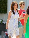 Celebrities Wonder 74458676_pregnant-jennifer-love-hewitt_8.jpg
