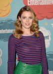 Celebrities Wonder 77666831_2013-Entertainment-Weekly-Comic-Con-Party_Gillian Jacobs 2.jpg