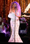 Celebrities Wonder 78747450_mariah-carey-MLB-All-Star-Charity-Concert_5.jpg
