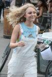 Celebrities Wonder 79953261_annasophia-robb-set-of-The-Carrie-Diaries_7.jpg