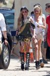 Celebrities Wonder 8117492_avril-lavigne-filming-her-video_3.jpg