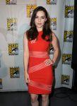 Celebrities Wonder 81443904_emilia-clarke-game-of-thrones-comic-con_2.jpg
