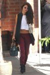 Celebrities Wonder 86762458_selena-gomez-dance-studio_2.jpg