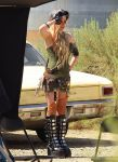 Celebrities Wonder 8700668_avril-lavigne-filming-her-video_7.jpg