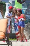Celebrities Wonder 88525383_Paris-Hilton-and-Christina-Milian-beach_6.jpg