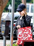 Celebrities Wonder 89542365_reese-witherspoon-gym_4.jpg