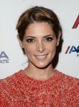 Celebrities Wonder 9035160_bruno-mars-concert_Ashley Greene 3.jpg