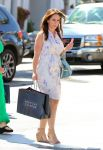 Celebrities Wonder 91222928_pregnant-jennifer-love-hewitt_2.jpg