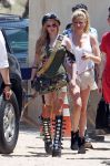 Celebrities Wonder 94981495_avril-lavigne-filming-her-video_1.jpg
