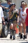 Celebrities Wonder 95070690_avril-lavigne-filming-her-video_2.jpg