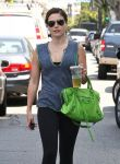 Celebrities Wonder 99141801_sophia-bush-gym_7.jpg