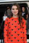 Celebrities Wonder 99713291_hailee-steinfeld-Enders-Game-Experience_4.jpg