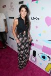 Celebrities Wonder 14845175_shenae-grimes-beautycon-2013_1.jpg