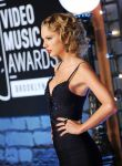 Celebrities Wonder 18524698_taylor-swift-2013-mtv-vma_5.jpg