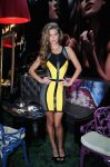 Celebrities Wonder 18536018_bebe-launch-Fall-2013-campaign_Nina Agdal 2.jpg