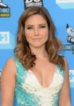 Celebrities Wonder 20126292_2013-Do-Something-Awards-red-carpet_4.jpg