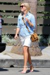 Celebrities Wonder 27057757_reese-witherspoon-venice-beach_5.jpg