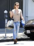 Celebrities Wonder 29300275_sophia-bush-shopping_2.jpg