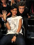 Celebrities Wonder 32998307_rihanna-2013-mtv-vma_5.jpg