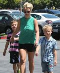 Celebrities Wonder 36699213_britney-spears-children_7.jpg