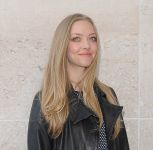 Celebrities Wonder 37510795_amanda-seyfried-BBC-Radio-1_8.jpg