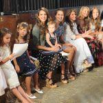 Celebrities Wonder 37975246_jessica-alba-ralph-lauren-girls-fashion-show_6.jpg
