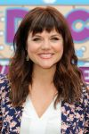 Celebrities Wonder 38923393_tiffani-thiessen-Doc-Mobile-Tour_7.jpg