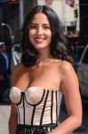 Celebrities Wonder 39830140_olivia-munn-Late-Show-with-David-Letterman_8.jpg