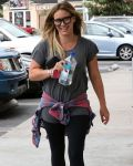 Celebrities Wonder 40789581_hilary-duff-leggings_5.jpg