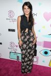 Celebrities Wonder 42313860_shenae-grimes-beautycon-2013_2.jpg