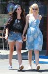 Celebrities Wonder 43200056_lana-del-rey-jaime-king_3.jpg