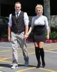 Celebrities Wonder 44842445_britney-spears-church_1.jpg