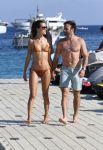 Celebrities Wonder 48239233_alessandra-ambrosio-bikini-mykonos_2.jpg