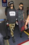 Celebrities Wonder 49982601_rihanna-lax-airport_2.jpg