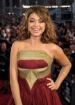 Celebrities Wonder 50069971_sarah-hyland-2013-mtv-vma_4.jpg