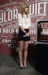 Celebrities Wonder 50562265_taylor-swift-press-event_3.jpg