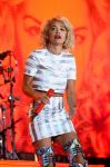 Celebrities Wonder 52771637_rita-ora-v-festival_1.jpg