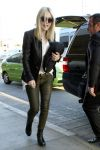 Celebrities Wonder 53162267_dakota-fanning-lax_1.jpg