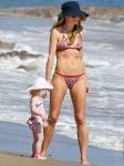 Celebrities Wonder 59988297_rebecca-gayheart-bikini_1.jpg