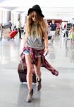 Celebrities Wonder 62518435_vanessa-hudgens-LAX-airport_2.jpg