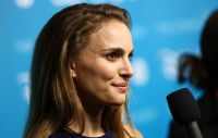 Celebrities Wonder 64549004_natalie-portman-2013-Disney-D23-Expo_5.jpg