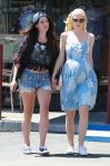 Celebrities Wonder 71120876_lana-del-rey-jaime-king_2.jpg